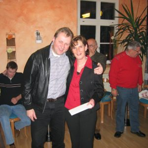 Nach der gewonnen Stichwahl 2004 gratuliert die SPD Rahden Susanne Lindemann