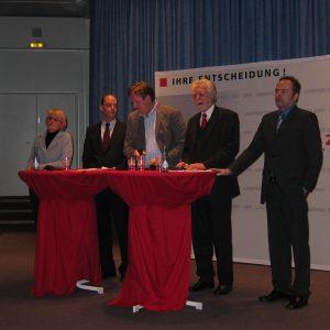 Die vier SPD Landratskandidaten mit Moderator.
