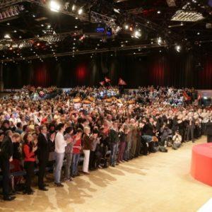 5800 SPD Anhänger in der Düsseldorfer Philipshalle (Foto NRWSPD)